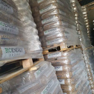 Skład węgla, brykiet, pellet, ekogorszek, eko-miał, drewno kominkowe i opałowe w bardzo dobrych cenach. Węgiel TYLKO z polskich kopalni, przesiewany na miejscu. Nowy Sącz, Limanowa, Stary Sącz